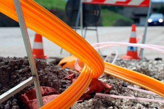 Fuerte queja de cámara empresaria por restricciones de un municipio a nuevas instalaciones de fibra óptica