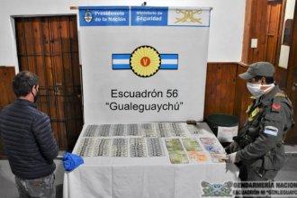 Gendarmería interceptó a un hombre que transportaba miles de pesos y dólares sin justificación