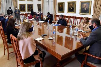 """""""Reducir la circulación en todo el territorio provincial"""": Nuevo pedido oficial, tras reunión de gabinete"""