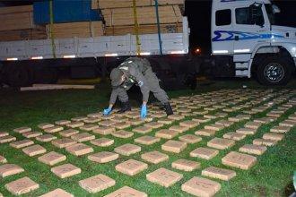 Un camionero transportaba 233 kilos de droga ocultos en el tanque de combustible