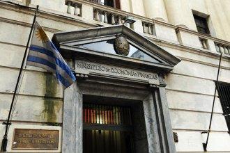 """Uruguay emitió bonos en dólares """"a la tasa más baja de la historia"""""""