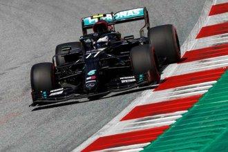 Arriba Mercedes: Bottas hizo la pole y Hamilton larga segundo en Austria