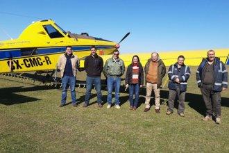 Así combaten desde el aire a la langosta, mientras hubo un simulacro al otro lado del río Uruguay
