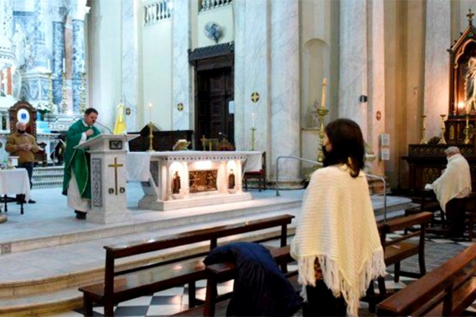 Volverán las ceremonias religiosas en casi toda Entre Ríos: tres localidades no fueron autorizadas