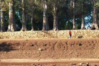 Hay fecha para seguir las obras que buscan detener la erosión que provoca el río Uruguay