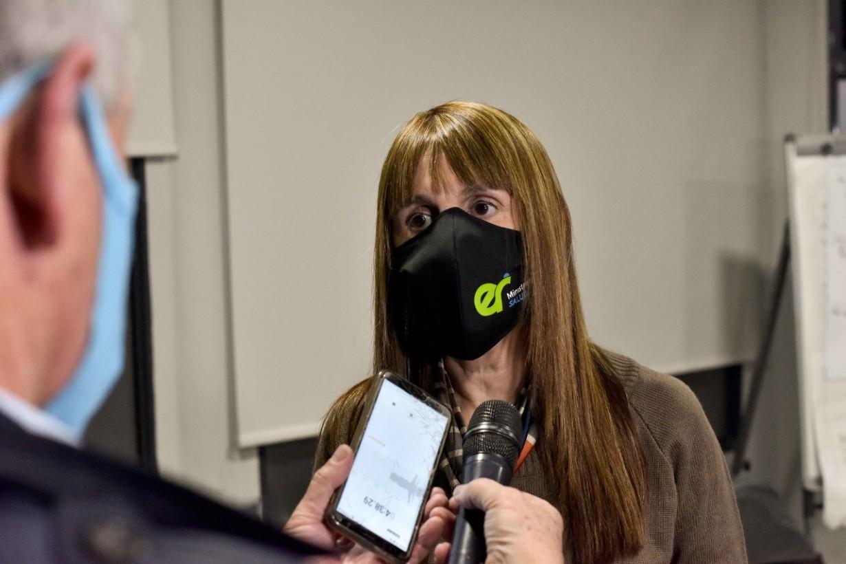La ministra de Salud tras la reunión.