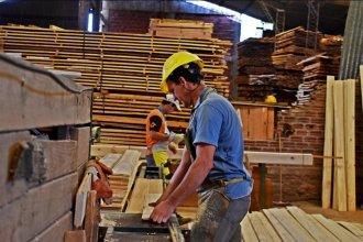 Según encuesta de UIER, ¿qué sectores industriales tuvieron un leve repunte en junio?