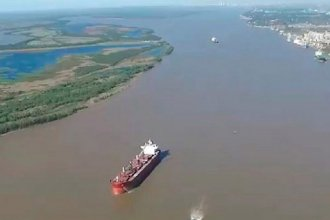 Tripulantes de un barco que navega por el río Paraná tendrían coronavirus: aseguran que dos son entrerrianos