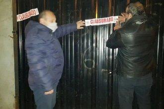 Concordia: vecinos denunciaron por WhatsApp que una cancha de Fútbol 5 funcionaba y la clausuraron