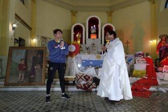 """""""Juntos o nada"""": la revelación que unió a la Promoción 2020 con jóvenes de la parroquia para conformar Cáritas Juvenil"""