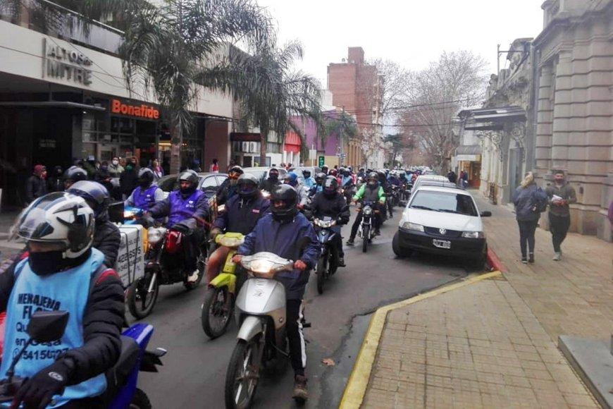 La marcha de hoy (foto: Diario Río Uruguay).