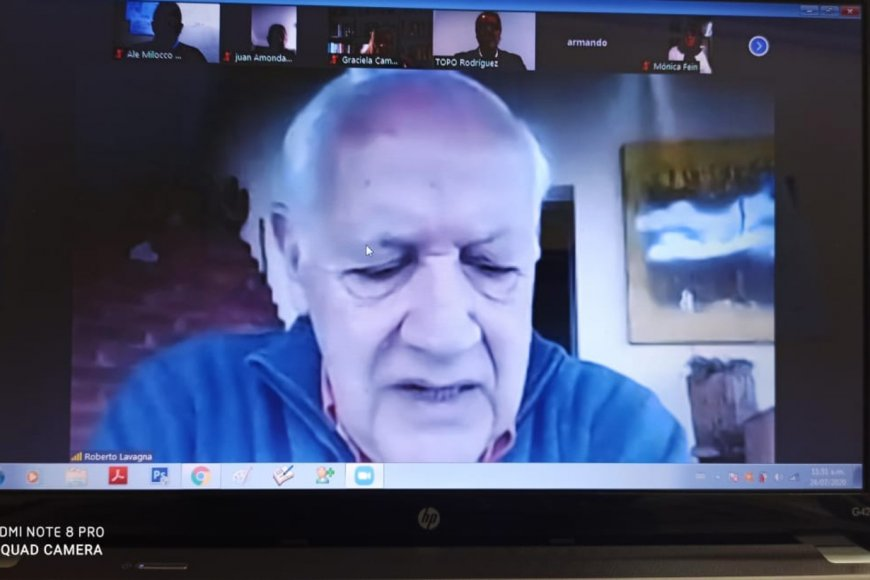 Lavagna, en la reunión de su fuerza política.