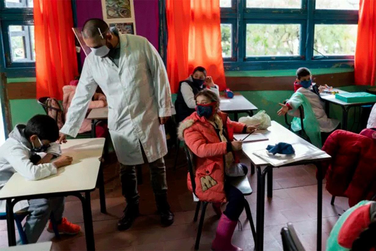 Uruguay, de los pocos que volvieron a clases