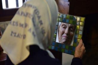 """Adiós a """"Queca"""", la entrerriana que dejó el guardapolvo por el pañuelo blanco: la historia de su hijo desaparecido"""