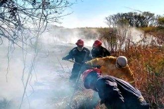 Brigadistas entrerrianos marchan a las costas santafesinas para ayudar a sofocar los incendios