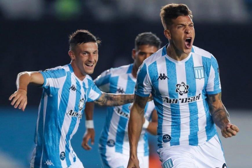 Festejo de gol de Nicolás Reniero.