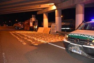 Camionero que era remolcado fue descubierto con un cargamento de drogas valuado en más de $18 millones