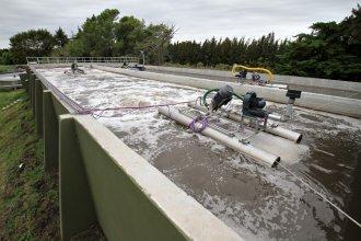Nación aprobó contratos para cinco plantas de tratamientos de aguas cloacales sobre el río Uruguay