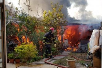 Bomberos lograron rescatar a una pareja de ancianos de un incendio