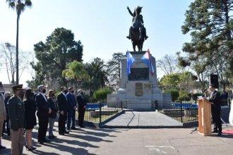 La historia de una plaza y su monumento, en el homenaje al General San Martín
