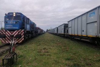 Dos trenes de carga coincidieron en su paso por la estación y uno descarriló
