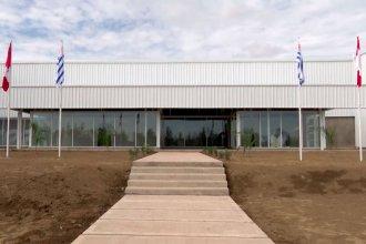 Al otro lado del río, presidente inauguró la planta de procesamiento de cáñamo medicinal más grande de América Latina
