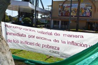"""AGMER embandera una ciudad con su reclamo de """"aumento salarial ya para los docentes"""""""