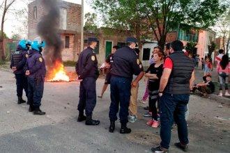 """Graves hechos de violencia en un barrio: vecinos intentaron desterrar a la banda de los """"Catamanos"""""""