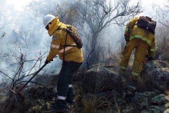 Bomberos voluntarios entrerrianos describen la desolación que sienten con los incendios en Córdoba