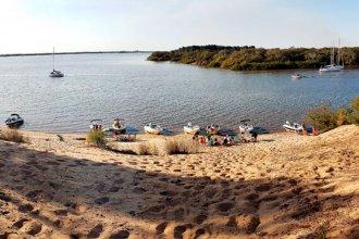 Prefectura advierte que no está permitido cruzar el canal y desembarcar en las costas uruguayas