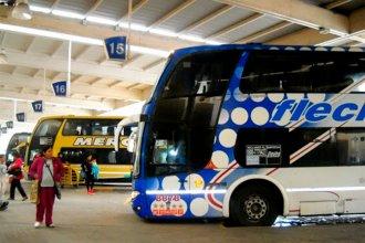 El gobierno amplió la capacidad de pasajeros de los colectivos de media y larga distancia