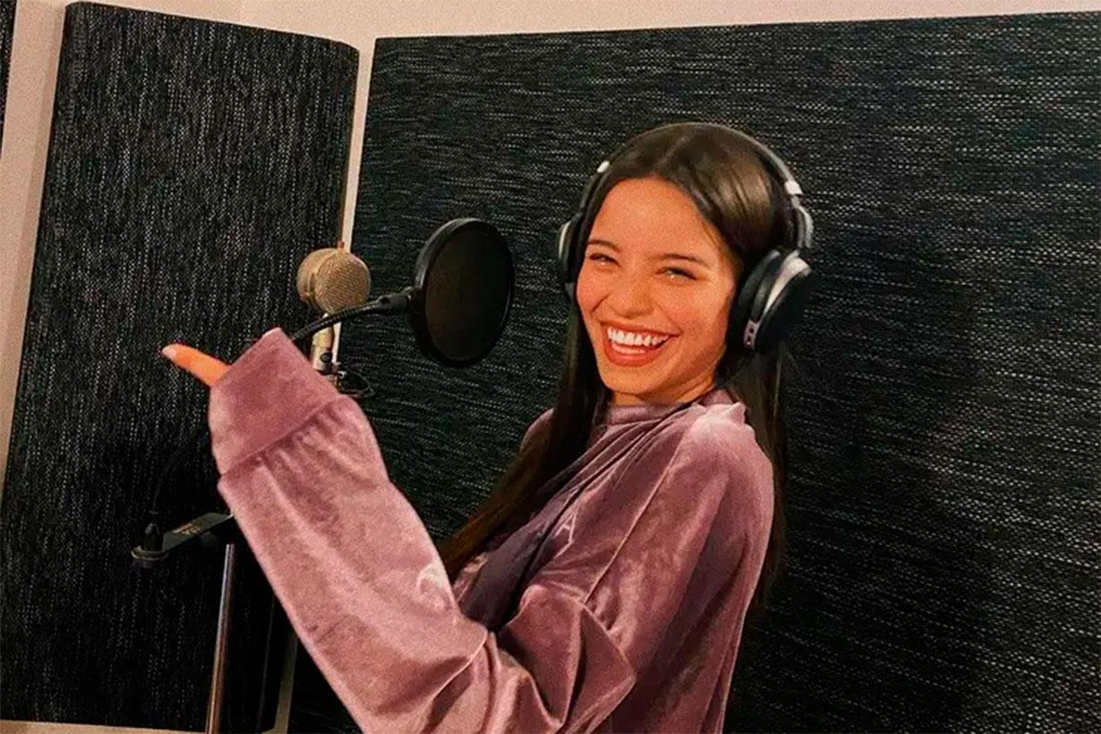 Emilia es de Nogoyá, canta y baila