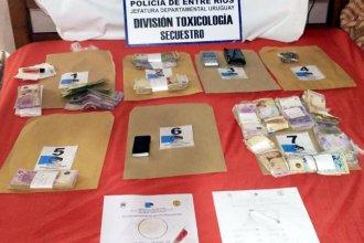 Tres detenidos tras allanamientos por narcomenudeo: secuestraron más de 100 mil pesos y droga