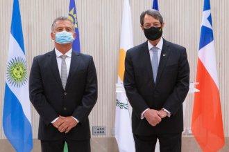 Con Urribarri como embajador en su país, Chipre anuncia su desembarco en Argentina