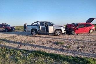 Trágico accidente en un camino rural: una mujer falleció tras un choque frontal