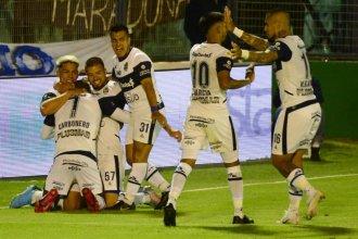 El mejor regalo para Diego: Con gol entrerriano, Gimnasia goleó a Patronato en La Plata