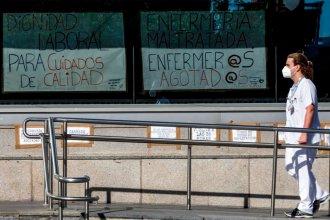 Hospitales españoles reciben la segunda ola con un grave déficit de personal y buscan atraer enfermeras de Argentina