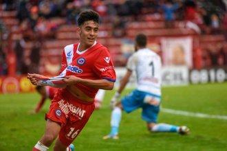 Nico González, el goleador ante Paraguay, que tuvo su bautismo en la red en Entre Ríos