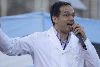 El Ministerio de Salud suspendió la matrícula del médico que fue condenado por impedir un aborto legal