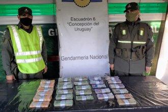 Control en Ruta 14: hallaron más de un millón de pesos ocultos en un auto