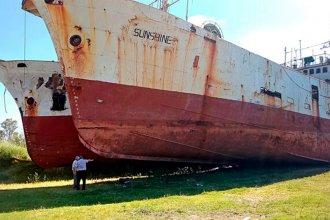 """Tres años atrás, estos enormes buques coreanos venían a """"descansar"""" a orillas del Río Uruguay"""