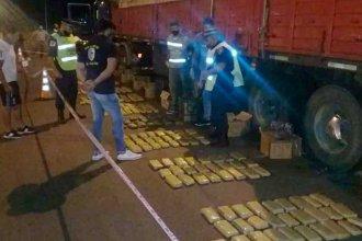 El olfato de Anto ayudó a descubrir los 322 kilos de droga que estaban ocultos en un camión