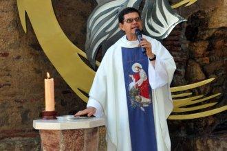 Con la inauguración de un cenizario, el Padre Toler se despidió de Colón