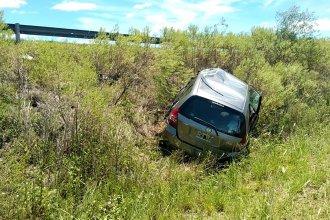 En un viaje solitario por la Autovía Artigas, sufrió un despiste que lo dejó en la banquina