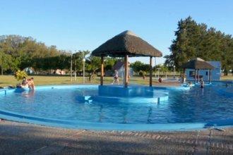 Retener visitantes, pese a brote de Covid: estrategias de destino en la costa del Uruguay