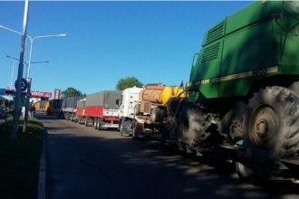 Transportistas acataron orden judicial y levantaron los cortes en los accesos a Paraná