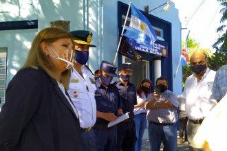 """De la """"nueva"""" comisaría a una entrega de cascos: el paso de la ministra Romero por el Departamento Colón"""