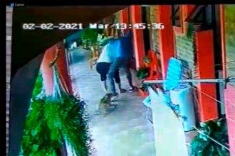 Delincuente armado se vio sorprendido por el coraje de una mujer que lo enfrentó y lo obligó a huir