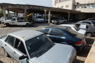 Denunciaron a empleados municipales por liberar autos remolcados a cambio de dinero