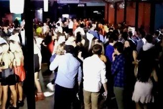 Celebraban una recepción con 600 personas y la municipalidad clausuró el salón